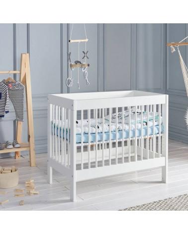 Lit bébé Basic 90x60 dans une chambre