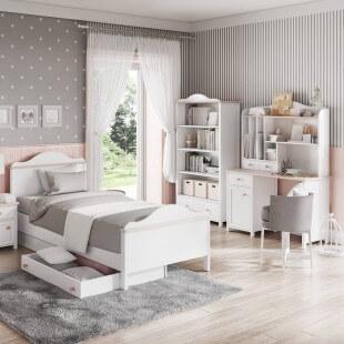 Bureau rose pour fille Luna dans une chambre
