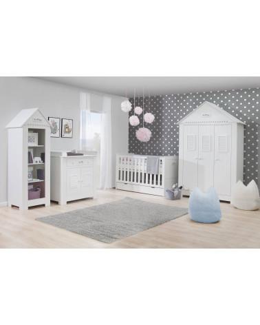 Chambre bébé avec armoire blanche triple cabine de plage